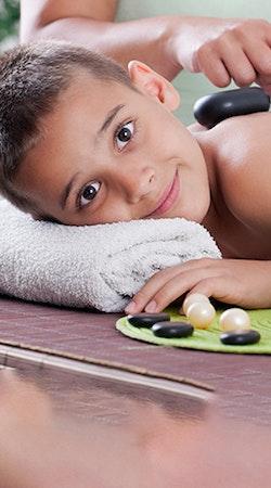 Masaje relajante para niños