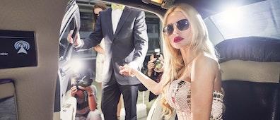 Millonarios y famosos también quieren ligar: Tinder Select